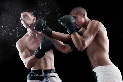 Boxen mit Mundschutz